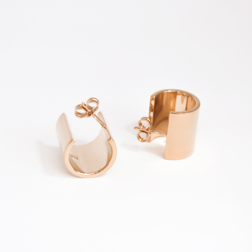 Thick elegant silver earrings rose gold