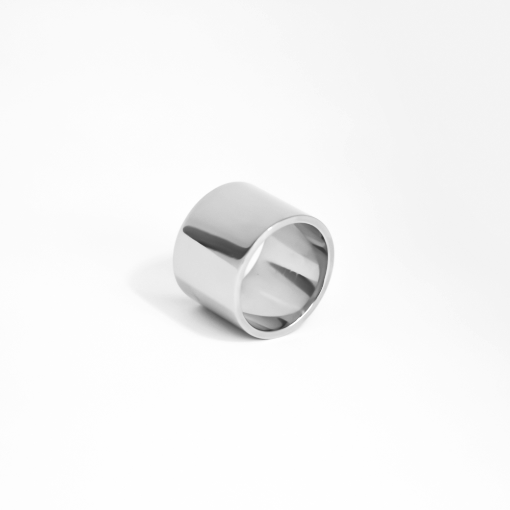 Massive sterling silver ring with rhodium vermeil
